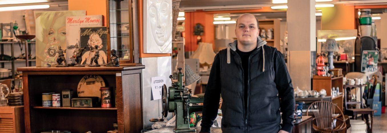 eigenaar De Vries woningontruiming